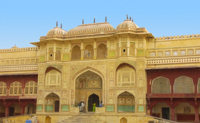 jaipur city palace with metro car rental
