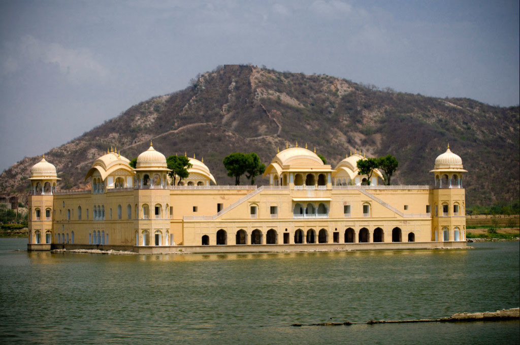 jaipur jal mahal and metro car rental